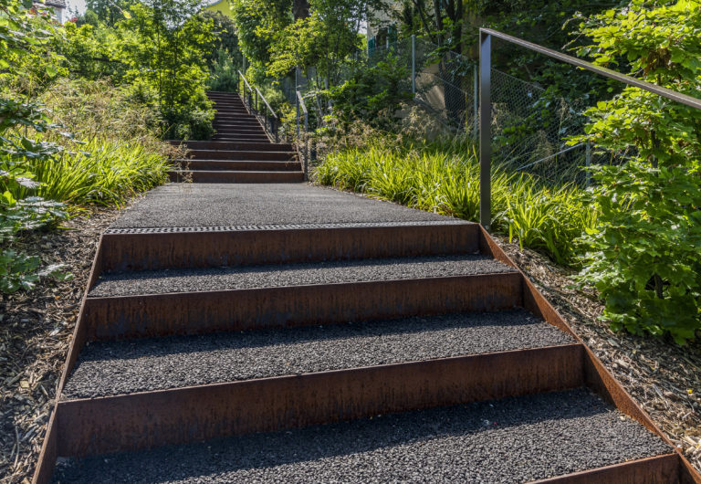 Gestalten Kachel Treppe